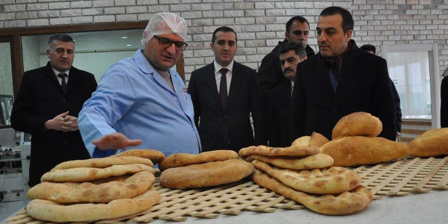 """Vali Öksüz: """"KOSGEB'ten girişimcilere 3,5 milyon liralık destek verildi"""""""