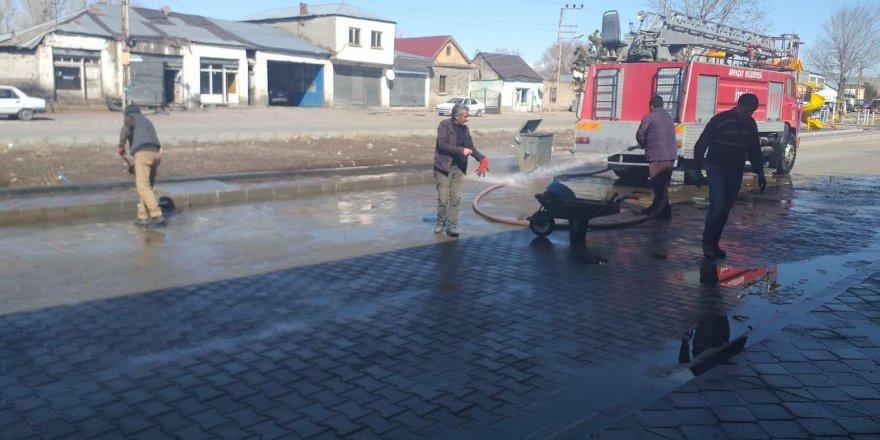 Arpaçay Belediyesi bahar temizliği başlattı