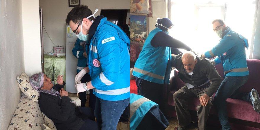 """Kars'ta 65 yaş üstü vatandaşların ihtiyaçlarını  """"Vefa Sosyal Destek Grubu"""" karşılıyor"""