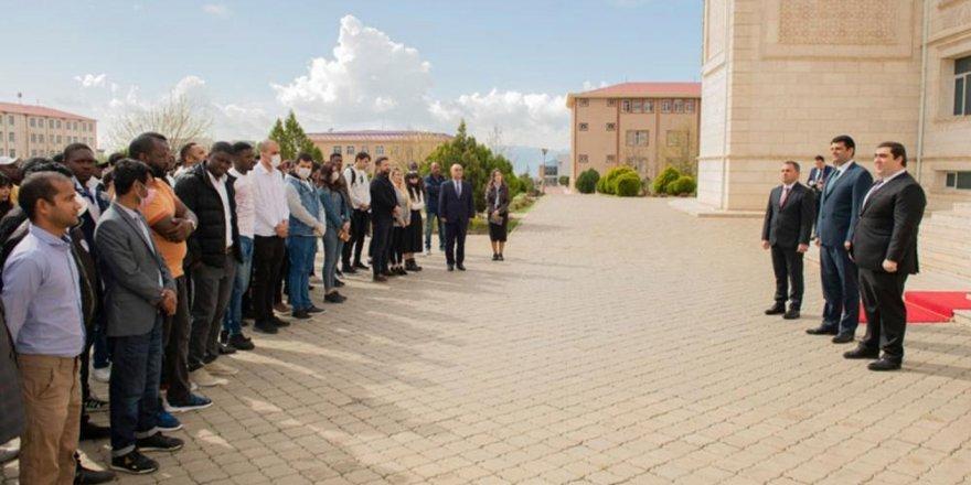 Ali Meclis Başkanı Talibov'un talimatıyla öğrencilere 1 aylık erzak