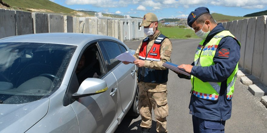 Sarıkamış'ta Jandarmadan korona virüs tedbirleri