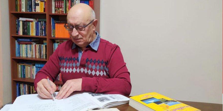 Gazeteci-yazar ve müzisyen Salih Şahin, türkünün geçmişini dile getirdi