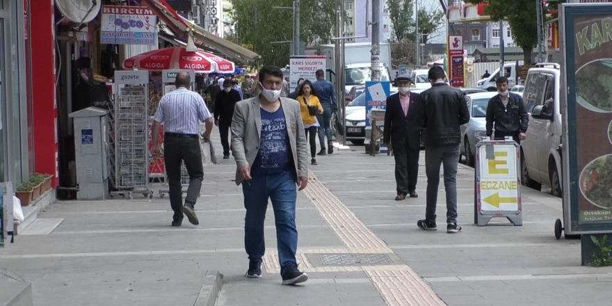 Kars'ta maskesiz dolaşanlara ceza kesilecek