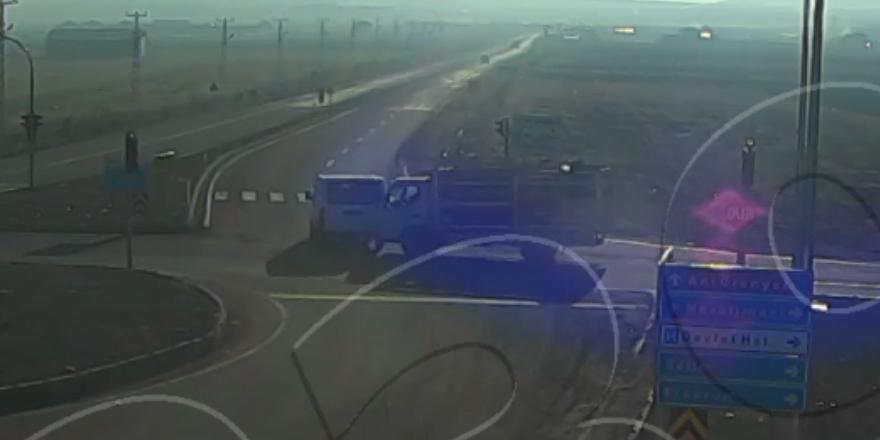 Kars'taki trafik kazası mobese'de!