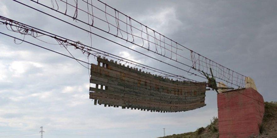 Vatandaşlar, Akyaka'daki asma köprünün yapılmasını istiyor