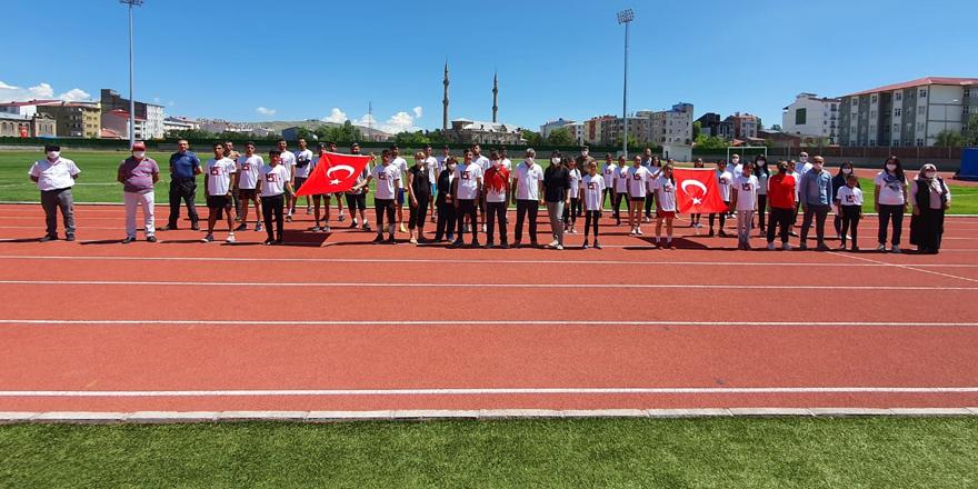 Kars'ta 15 Temmuz Demokrasi ve Şehitleri Anma Koşusu yapıldı