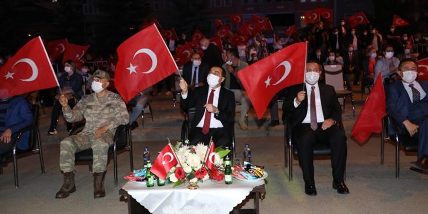 Kars'ta demokrasi nöbeti başladı