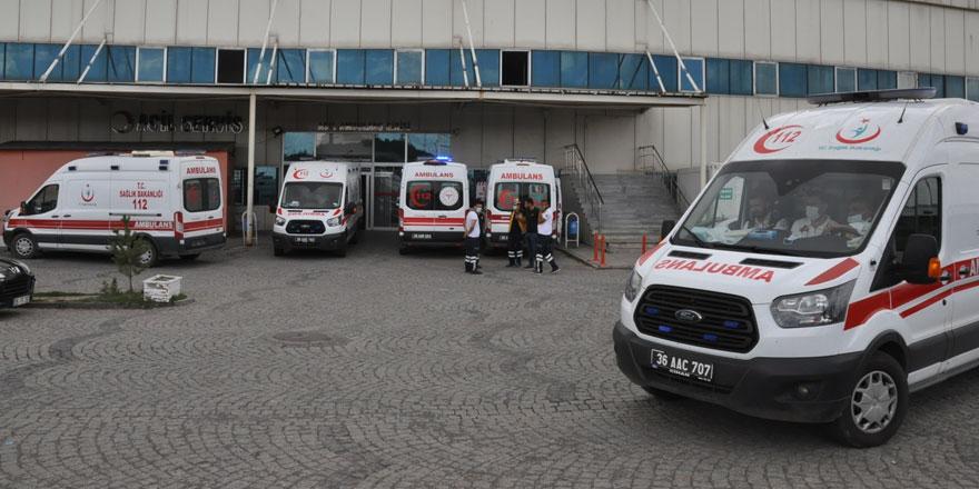 Kars'ta acemi kasaplar hastaneye koştu