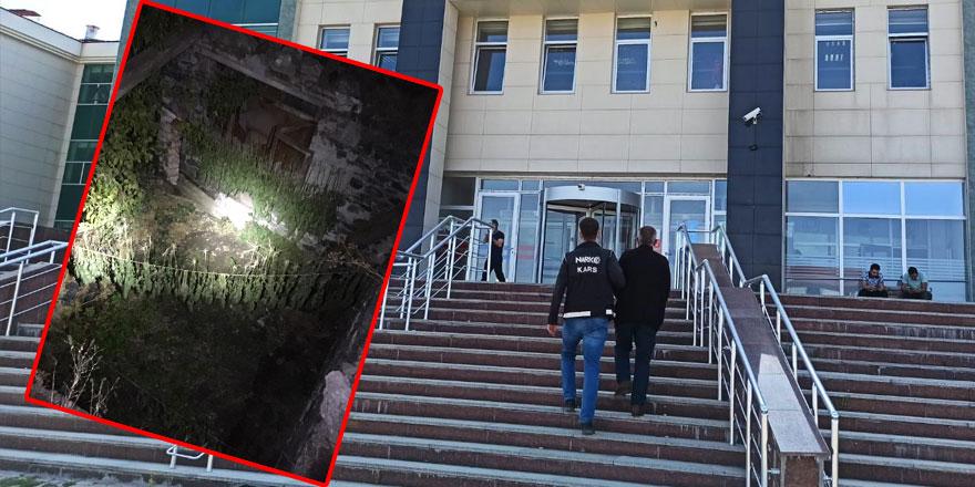 Kars'ta askıda çamaşır yerine esrar kurutan şahıs tutuklandı