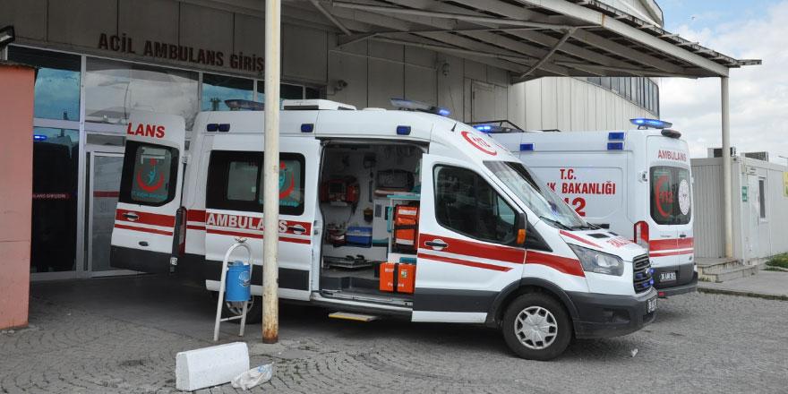 Kars şehir merkezinde motosiklet ile kamyon çarpıştı: 1 ölü!