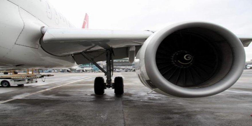 Uçağın pilotu tek motorla Kars'a indi