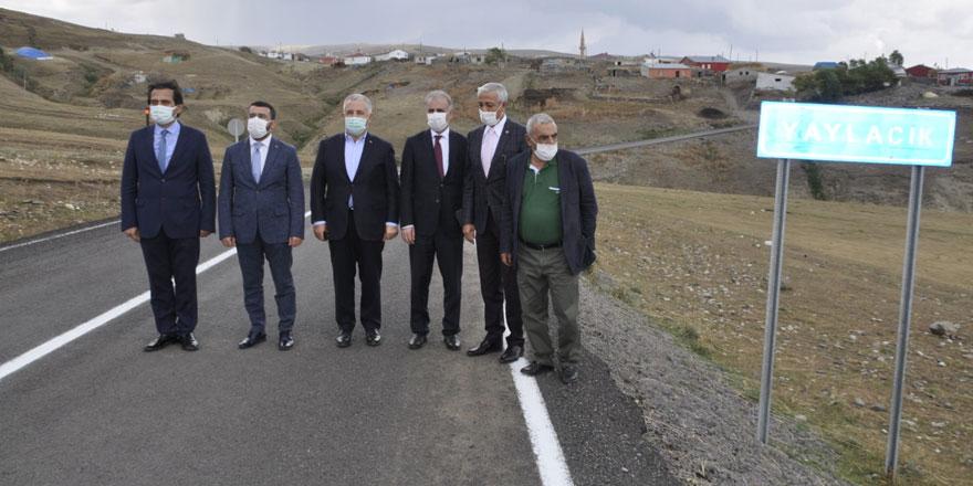 """Arslan """"454 kilometre köy yolunu sıcak asfalta kavuşturduk"""""""