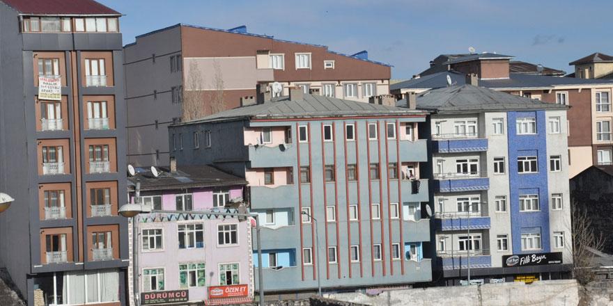 Kars'ta öğrenci gelmeyince kiralık evler elde kaldı