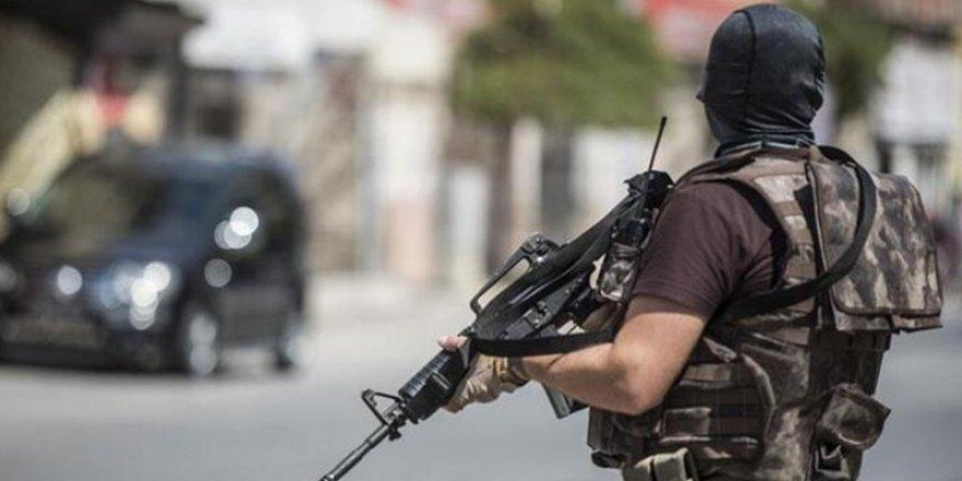 PKK ile bağlantılı olan Zelal kod adlı B.E. Kars'ta yapılan operasyonla yakaladı
