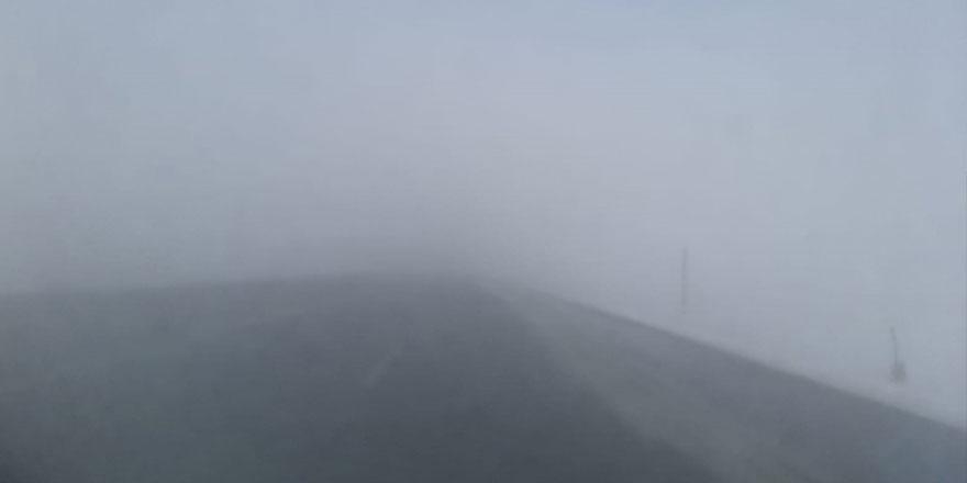 Sürücüler dikkat! Kars'ta yoğun sis etkisini sürdürüyor