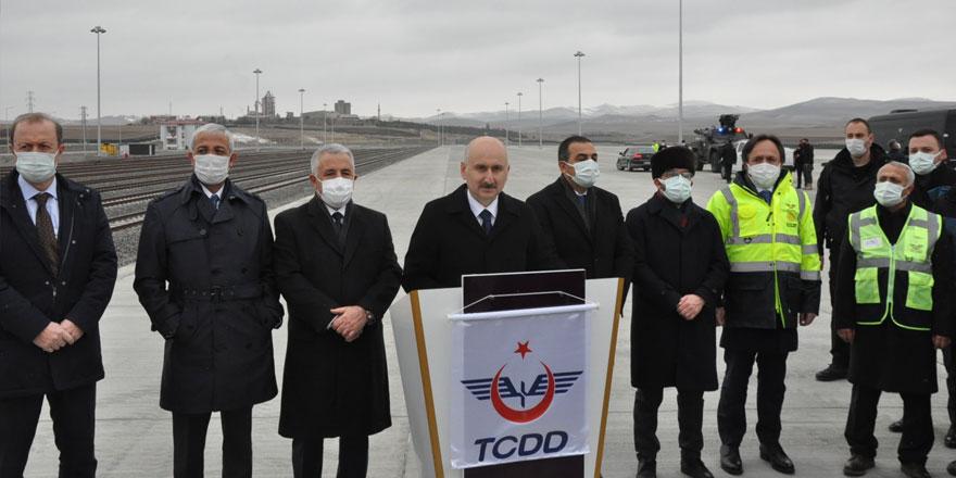 Bakan Karaismailoğlu Kars Lojistik Merkezinde açıklamalarda bulundu