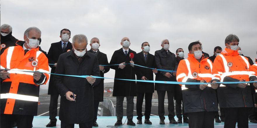 Sarıkamış-Karakurt-Horasan bölünmüş yolunun resmi açılışı yapıldı