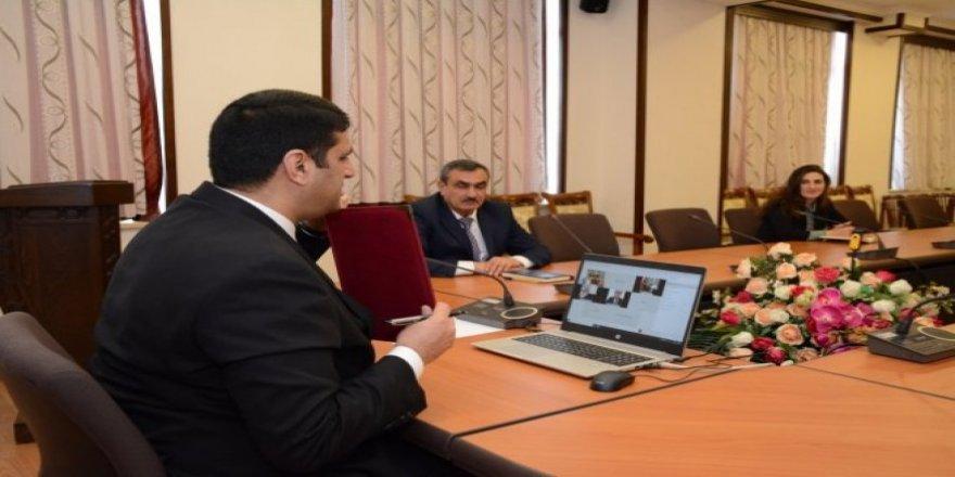 Nahçıvan Devlet Üniversitesi ile Kafkas Üniversitesi arasında online sözleşme imzalandı