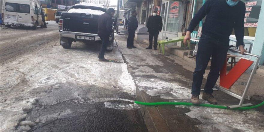Kars'ta şebeke suyunun yarısı boşa akıyor