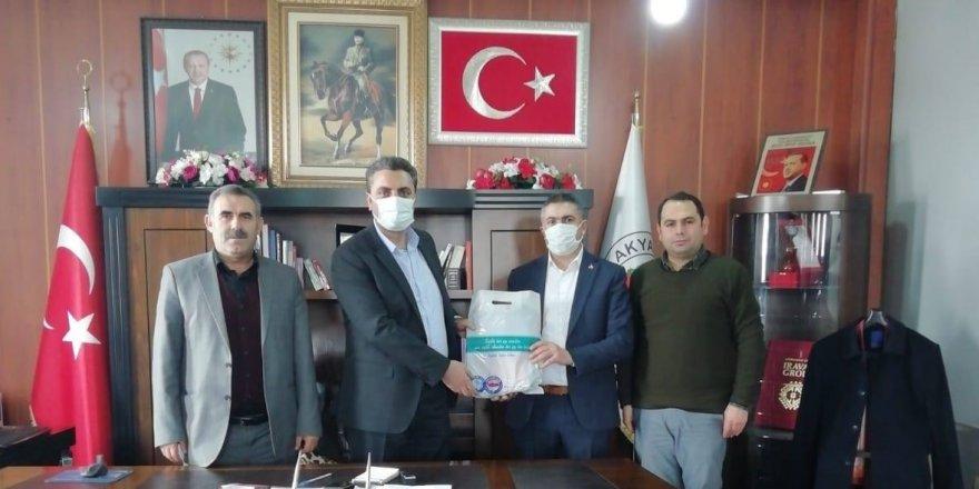 Akyaka Belediye Başkanı Ergüder Toptaş'a Sağlık Çalışanlarından Teşekkür