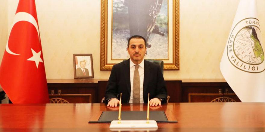 """Vali Öksüz, """"Kars'ta vaka sayıları düşmeye devam ediyor"""""""
