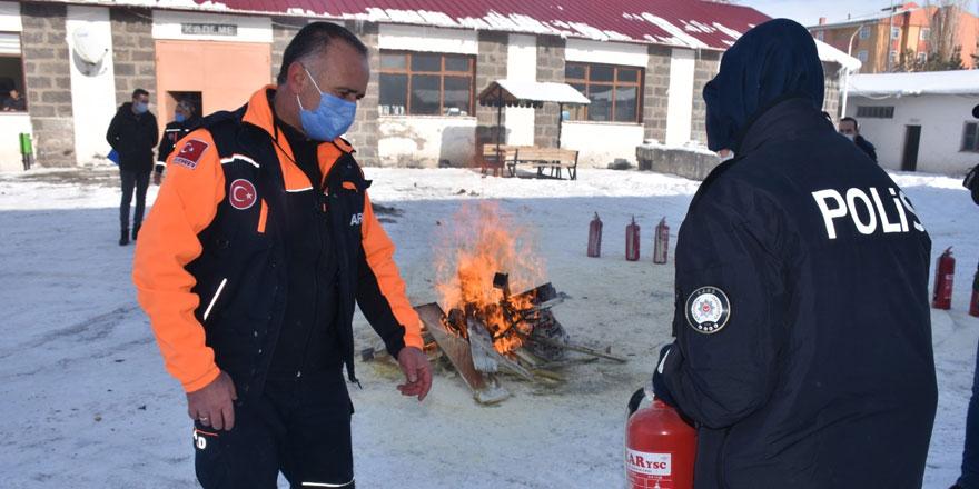 Kars'ta Afet Bilinci ve Yangın Eğitimi verildi