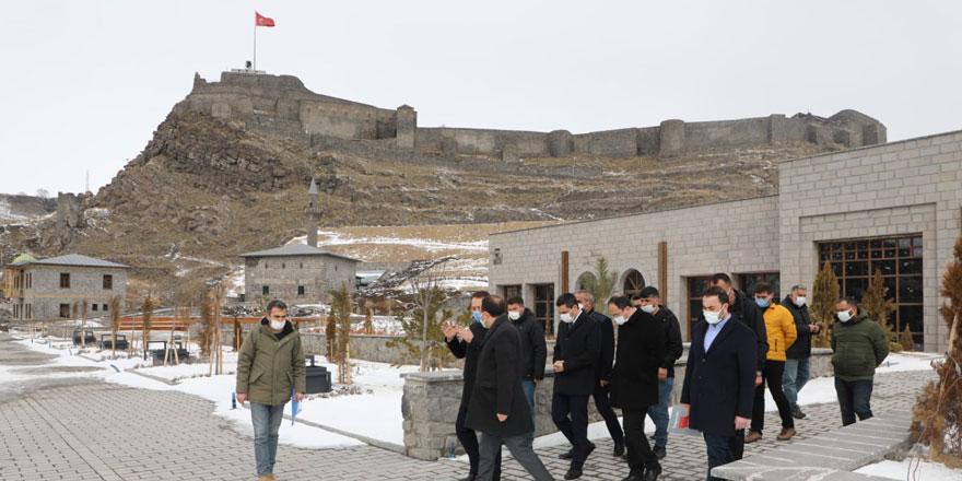 Vali Öksüz Kars bedesten inşaatını inceledi