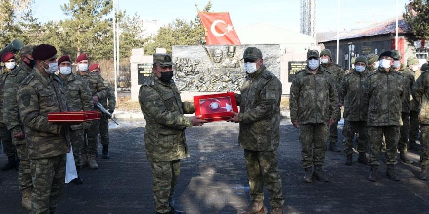 Azerbaycan silahlı kuvvetleri Kars'tan ayrıldı