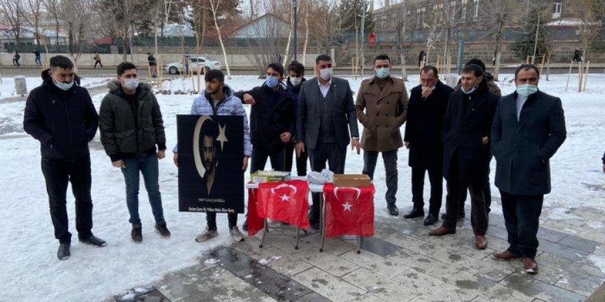 MHP ve Ülkü Ocakları Kars İl Teşkilatı Ülkücü Şehit Fırat Çakıroğlu'nu Andı
