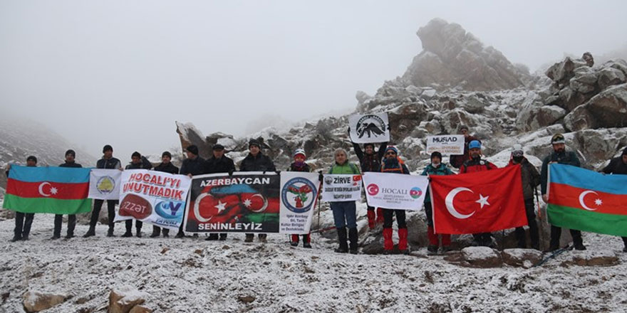 Karslı dağcılar, Haça Dağı'na zirve yaptı