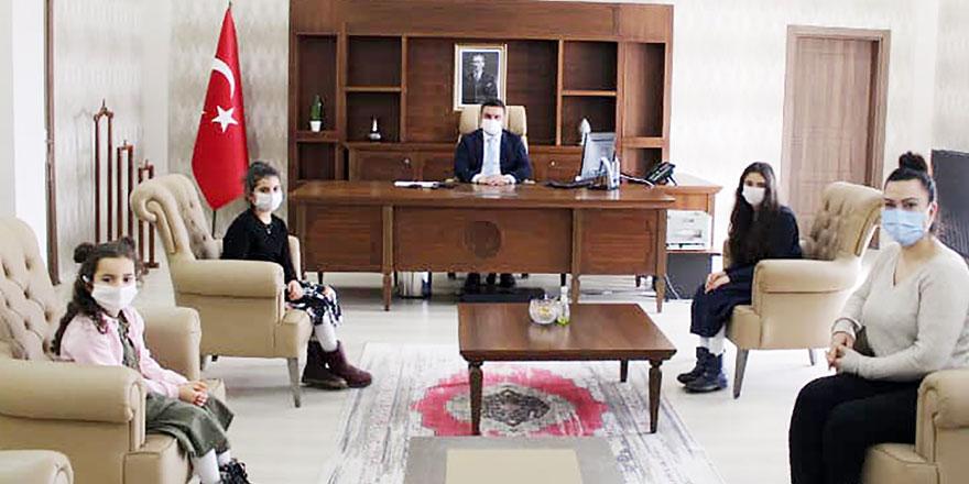 """Selim'in """"Küçük Kütüphaneci""""leri"""