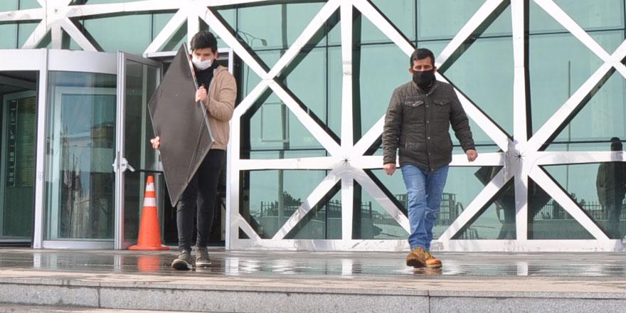 Kars'ta çalınan televizyon sahibine teslim edildi