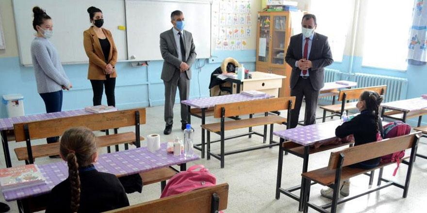 Kızılok, okullarda incelemelerde bulundu