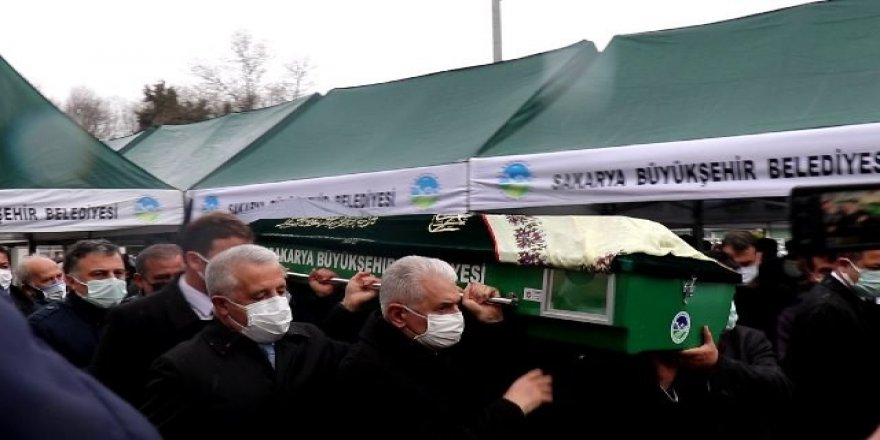 AK Parti Genel Başkanvekili Binali Yıldırım, Milletvekili Ahmet Arslan ile birlikte cenaze törenine katıldı