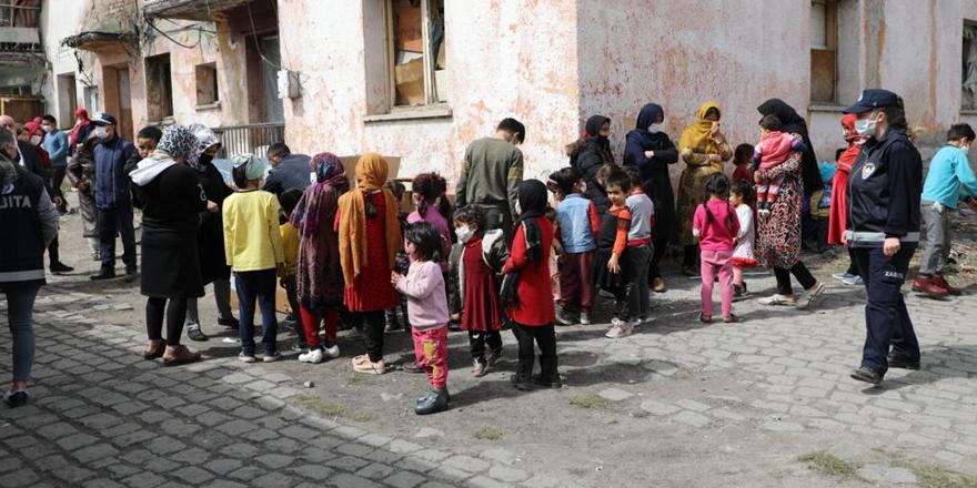 Kars Belediyesi, Afgan uyruklu aileleri unutmadı