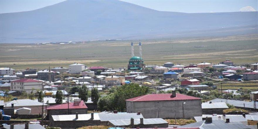 Kars'ta bir belde de etkinlikler yasaklandı