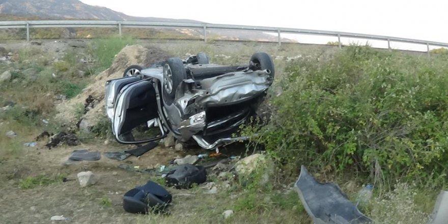 İstanbul'dan Kars'a gelen araç Sivas'ta kaza yaptı