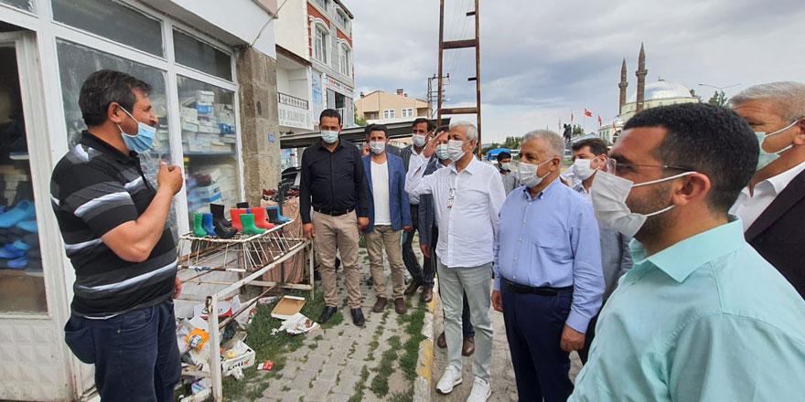 AK Parti milletvekilleri ilçe ilçe geziyor