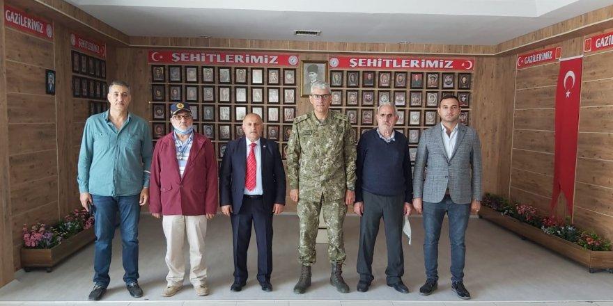 14. Mekanize Piyade Tugay Komutanı Tuğgeneral Hakan Tunç'tan Kars Şehit ve Gazi Aileleri Derneği'ne ziyaret