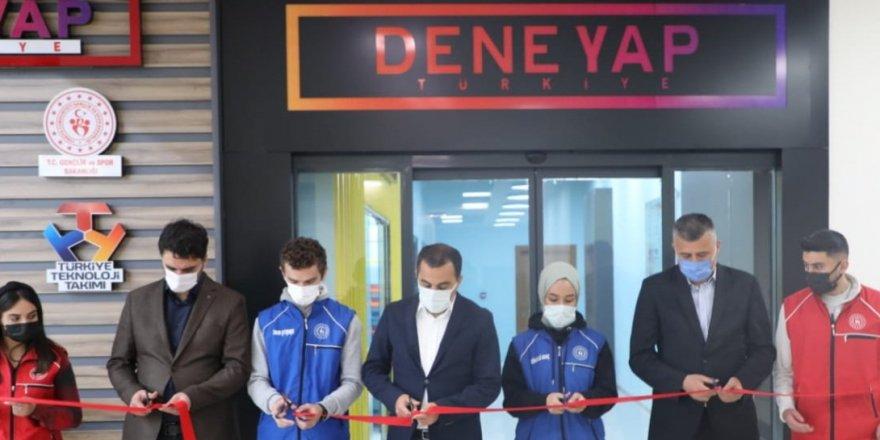 Kars Gençlik Merkezi'nde Deneyap Atölyesi açıldı