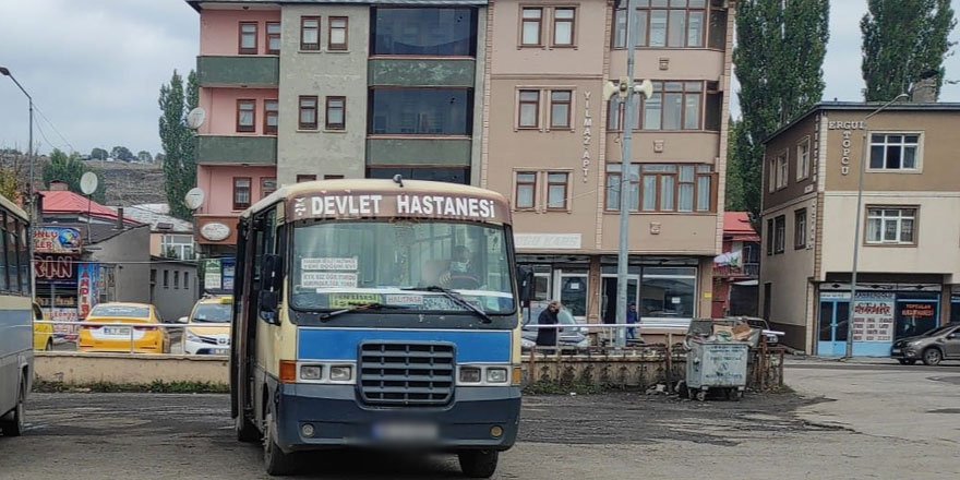 Kars'ta maske tartışmasında, dolmuş şoförü bıçaklandı