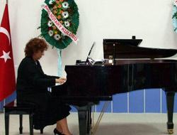 Ayşe Ediz Piyano Resitali