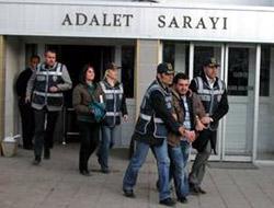 Üç Öğrenci Tutuklandı