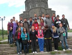 Aydınlı Öğrenciler Karsta