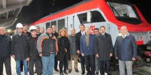Bakü'den yola çıkan tren Kars'a ulaştı