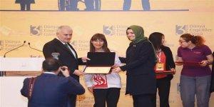 Karslı Türkiye Şampiyonu ödülünü Başbakan'dan aldı