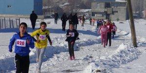 Kars'ta eksi 15 derecede bayıltan koşu