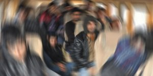 Digor'da yurda kaçak yollardan giren 8 Afganlı yakalandı
