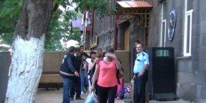 Kars'ta 31 yabancı uyruklu kadın sınır dışı edildi