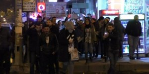 Beşiktaş taraftarları soğuk havada sokağa döküldü